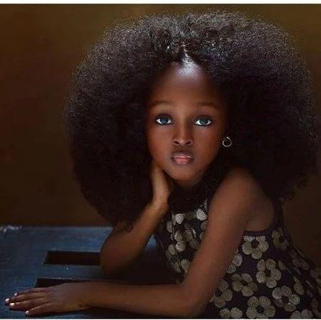 """""""世界上最美麗的女孩""""是她!尼日利亞5歲小美女引爆社交網絡!(雙語)"""